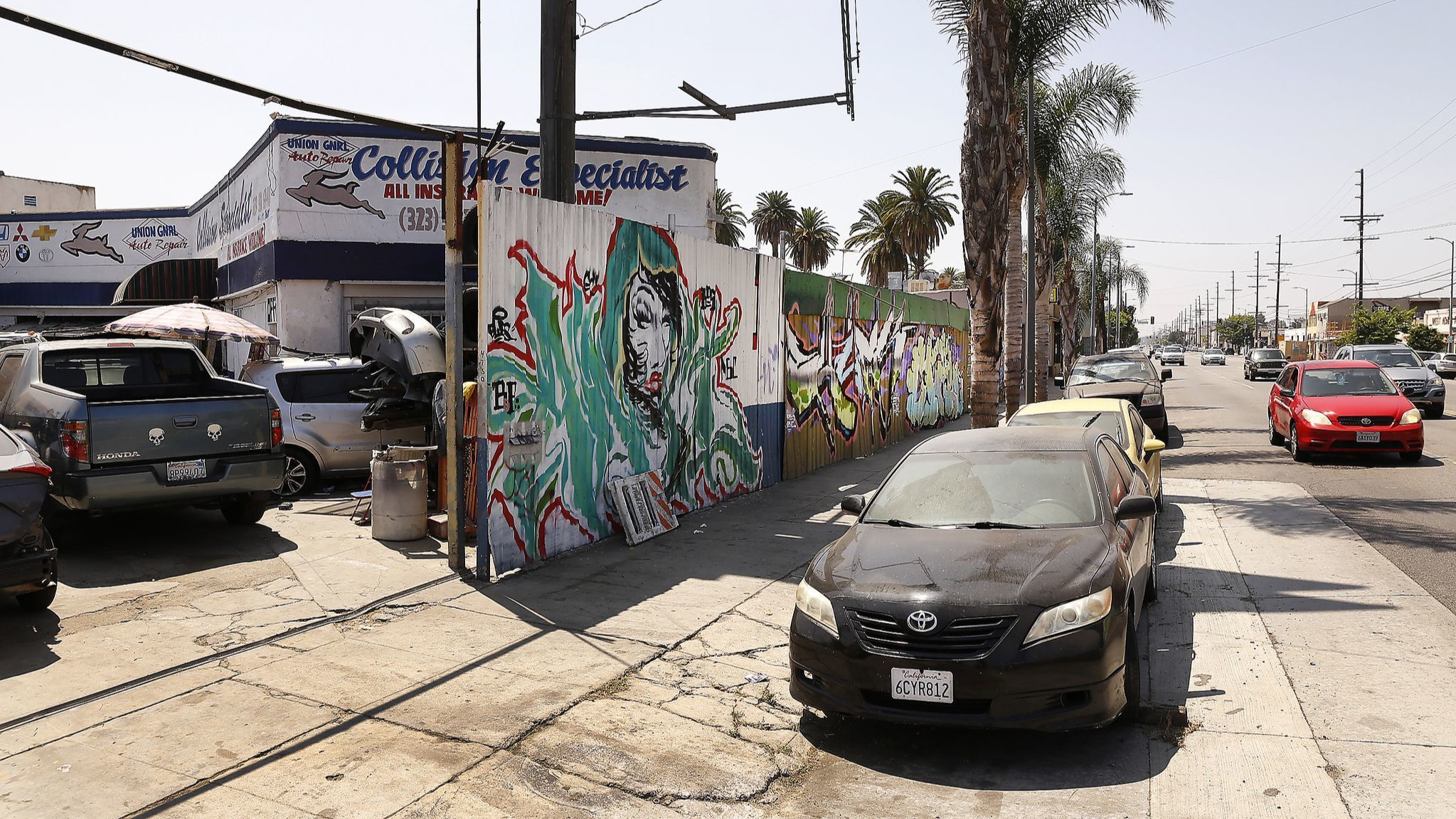 Junk, blight and problem businesses: South L.A. residents fume over code enforcement