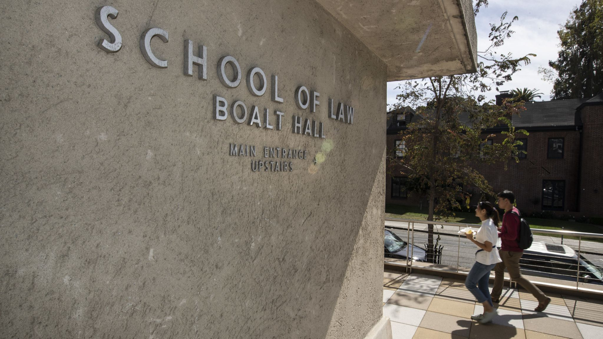 UC Berkeley law school confronts the racist legacy behind its famed Boalt Hall | Los Angeles Times