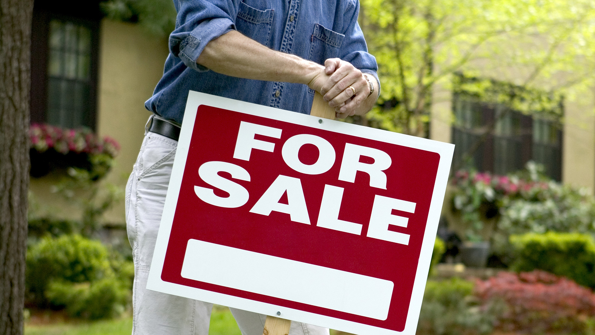 FSBO home sales hit all-time low. Here's what it means for buyers and sellers.