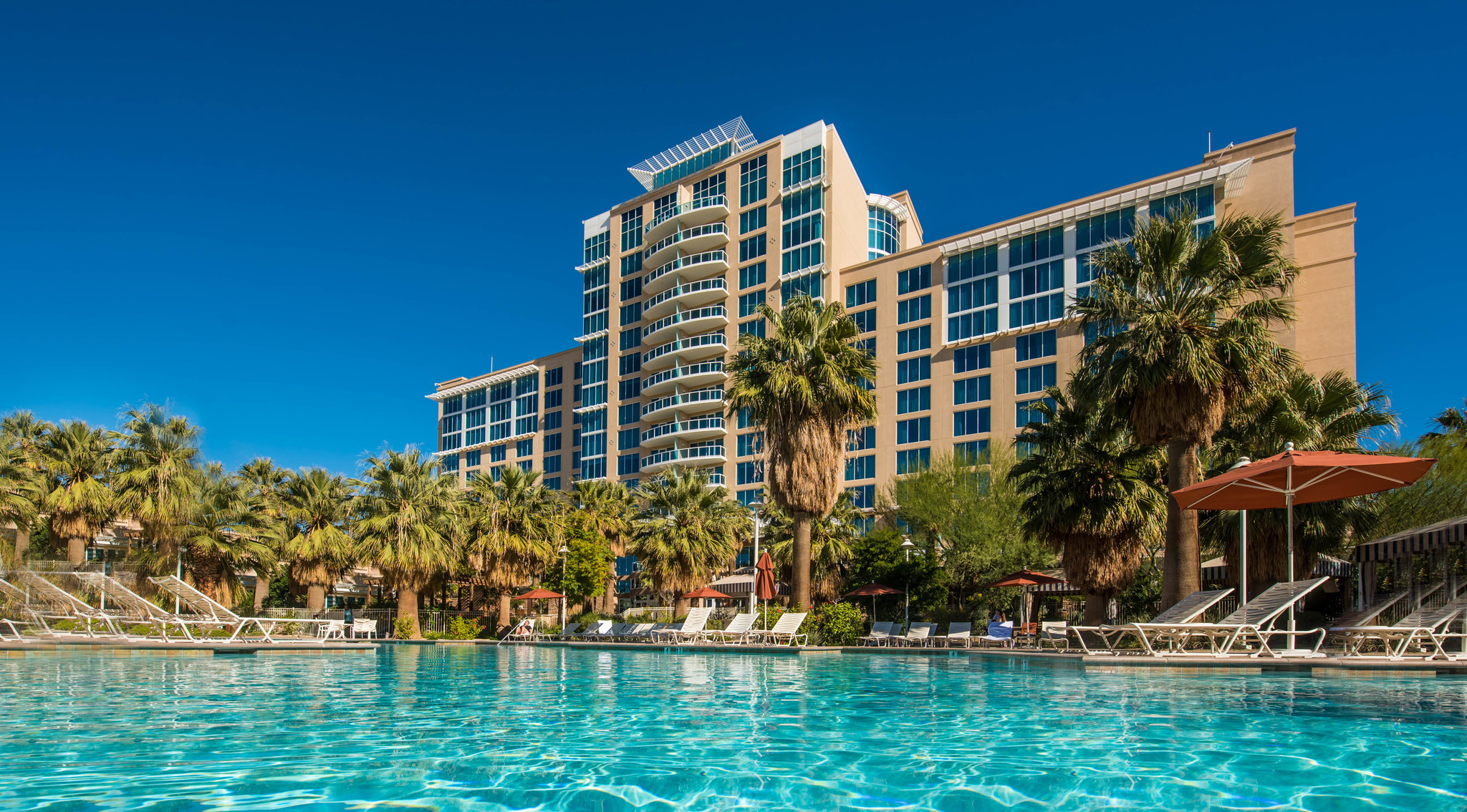 Desert Heats Up With New Casino Hotels, Expansions