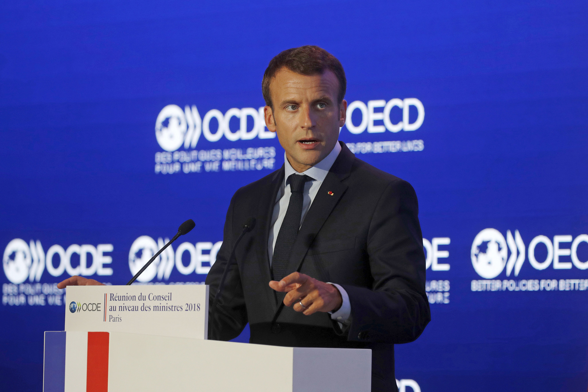 6 arrested in suspected plot to attack French President Emmanuel Macron