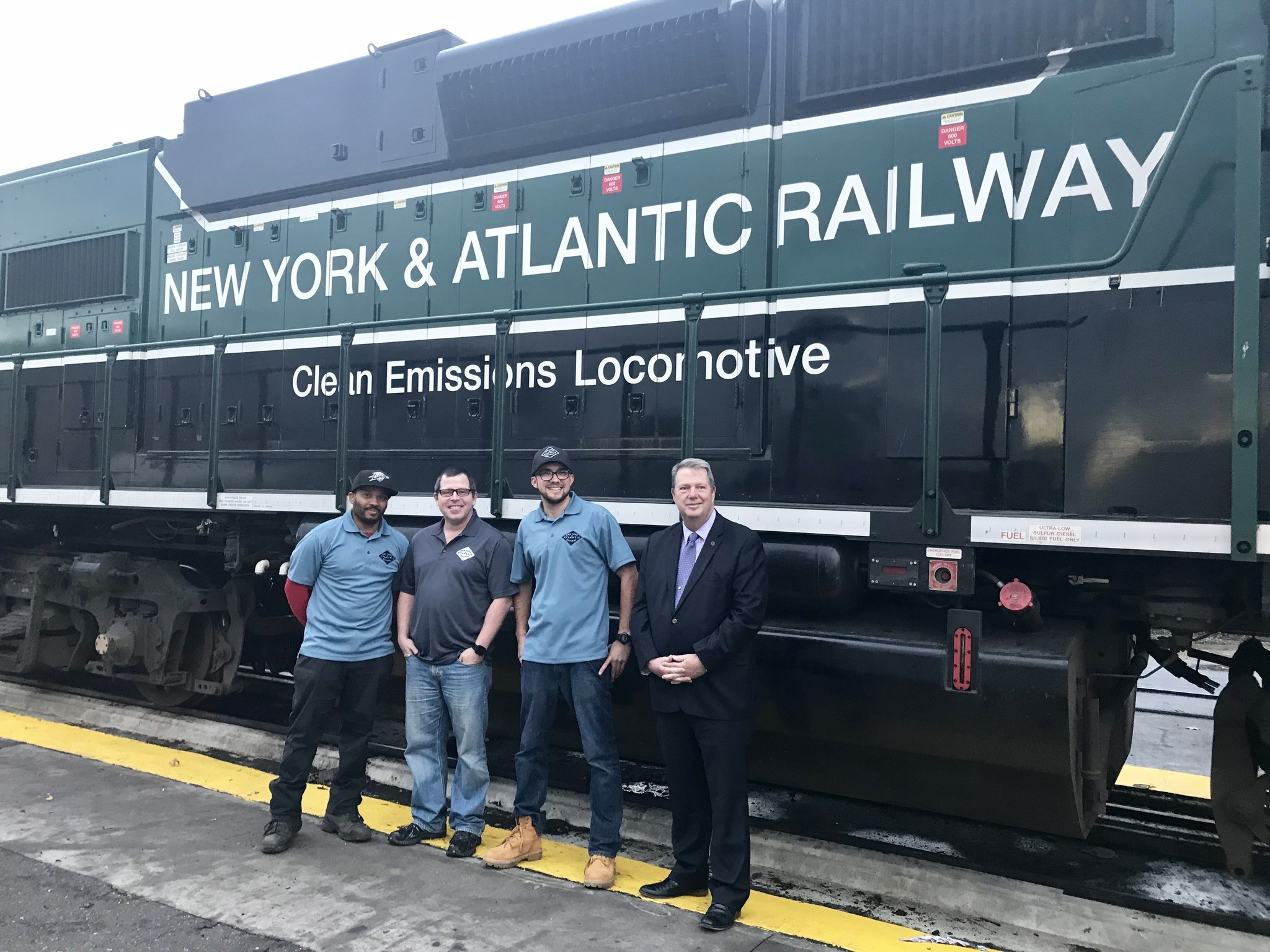 Freight train staffers honored for rescuing disoriented elderly woman from tracks | New York Daily News
