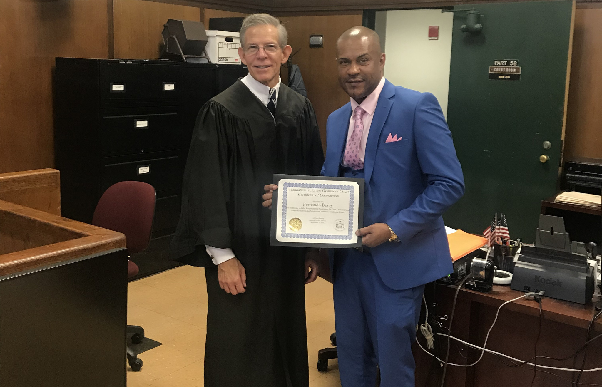 Ex-National Guard soldier who kicked drugs graduates from Manhattan Veterans Treatment Court | New York Daily News