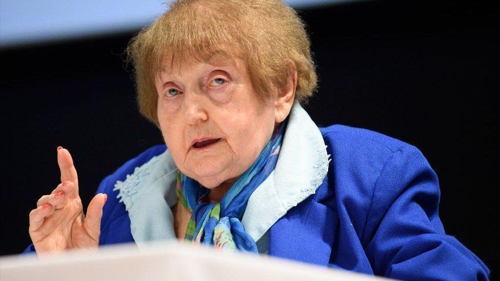 In university talk, Holocaust survivor tells of Auschwitz horrors