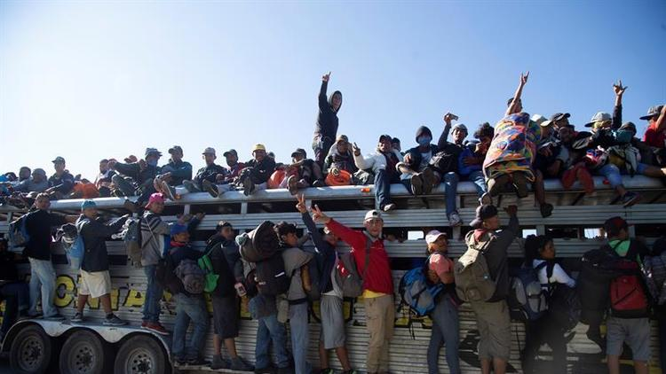 Migrantes emprenden a la fuerza la segunda mitad de su trayecto hacia EEUU