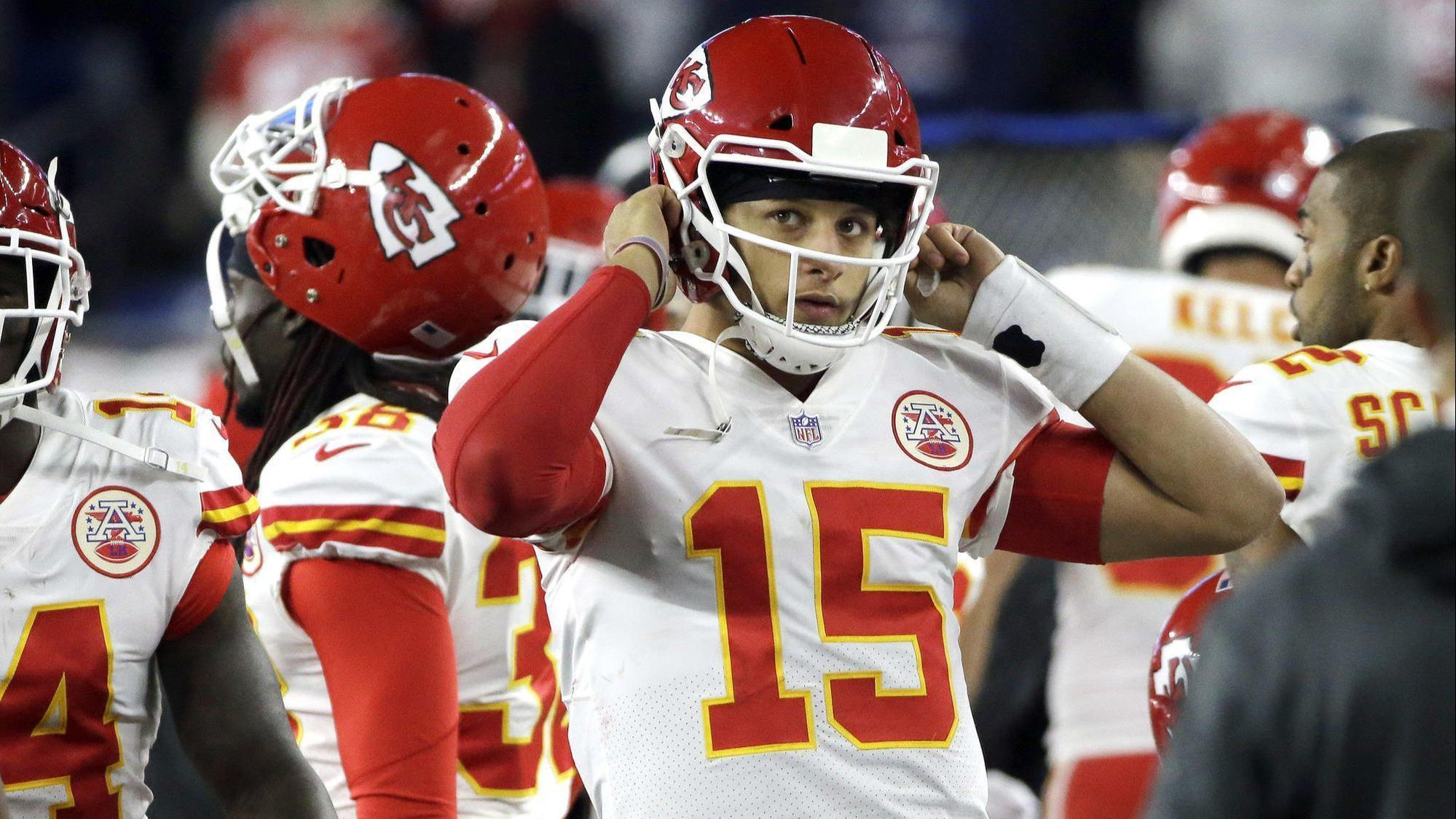 Chiefs quarterback Patrick Mahomes gets killed in 'Fortnite' by someone wearing his jersey
