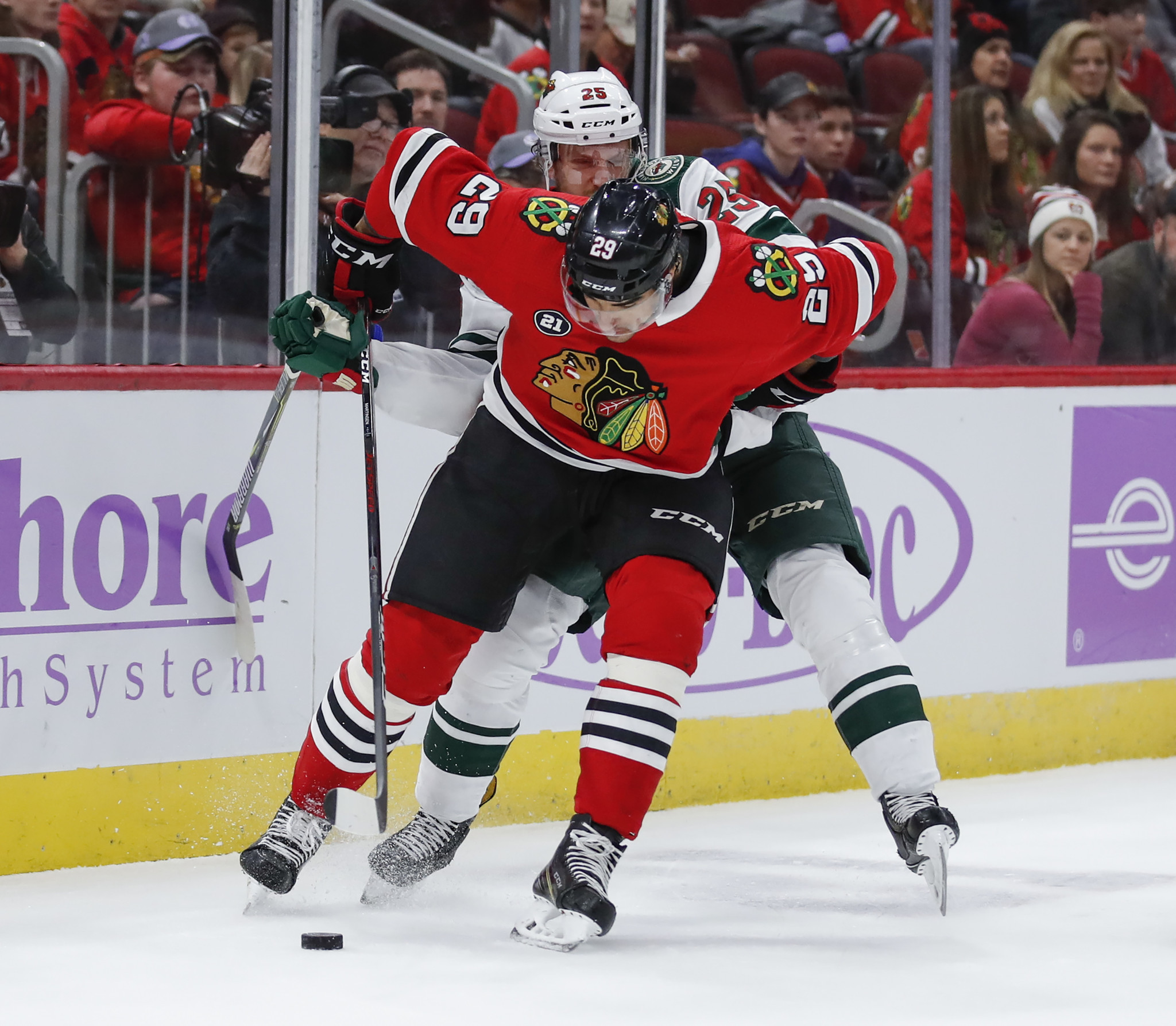 3 takeaways from Blackhawks' 3-1 win over the Wild: Brandon Saad clicks and defense strengthens