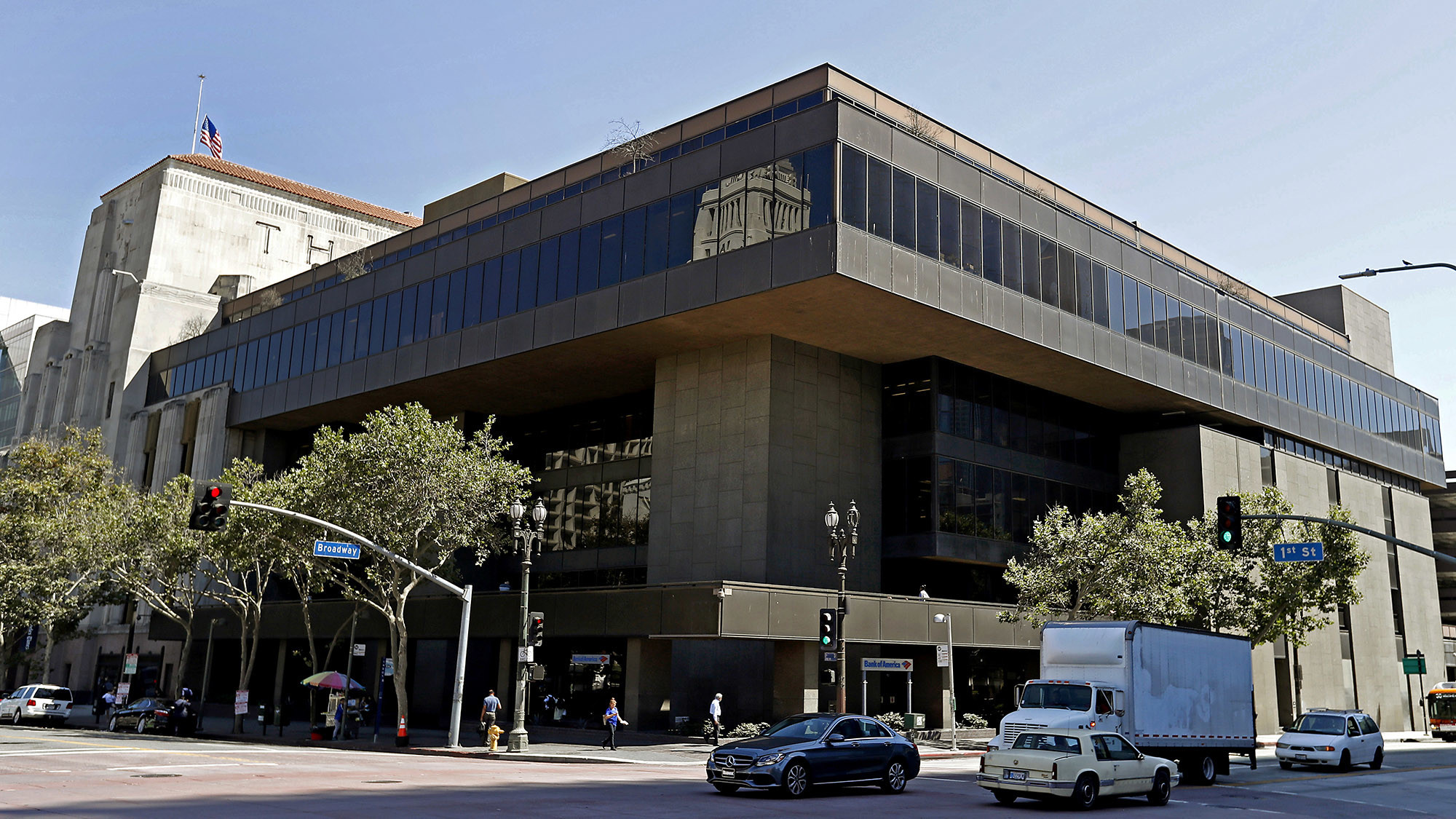 Times building designed by William Pereira not a monument, council committee says