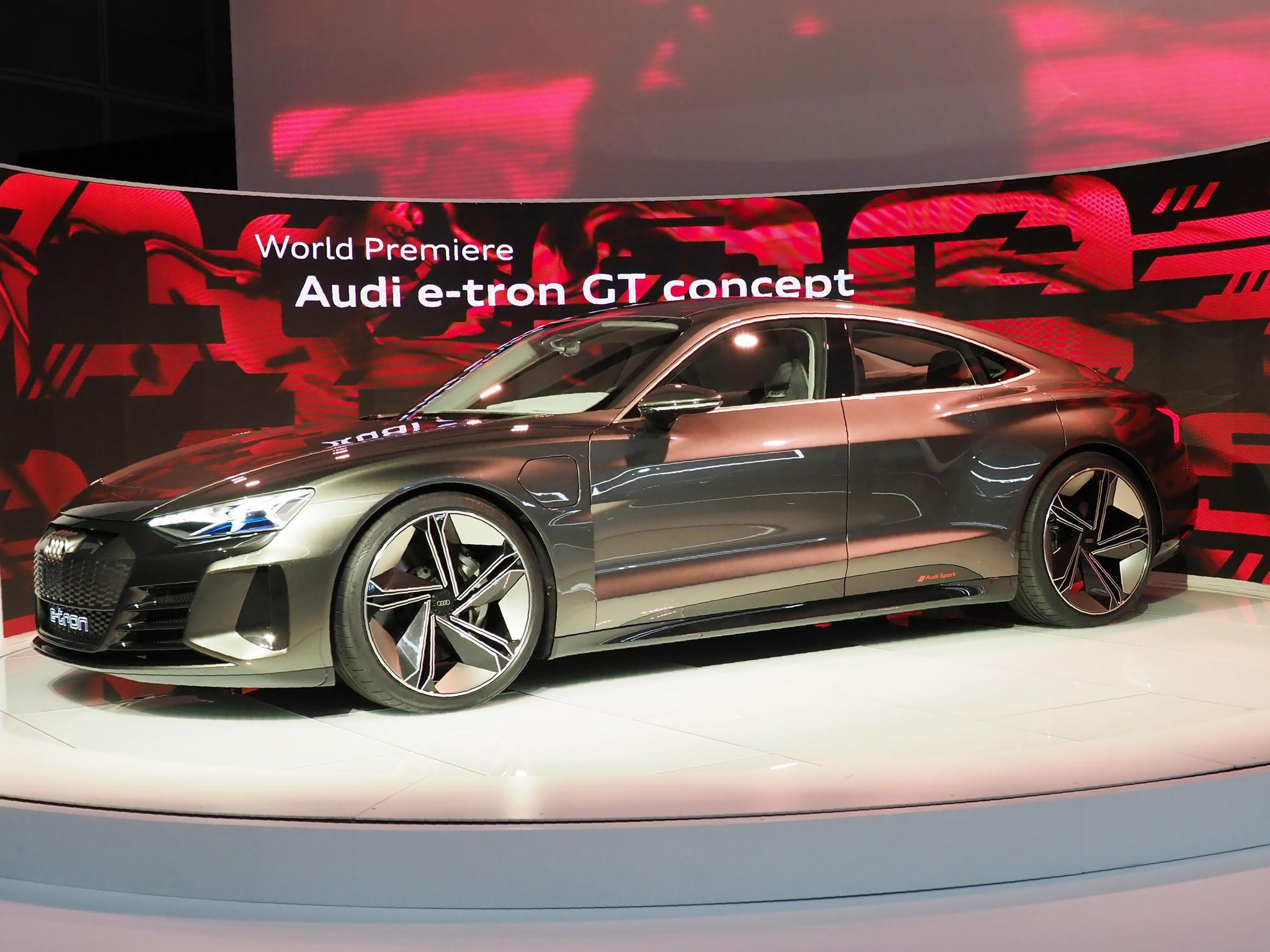 Audi Comes After Tesla Model S With E Tron Gt Chicago Tribune