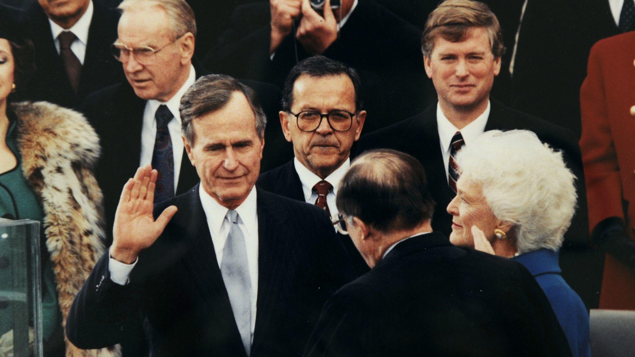 Muere George H.W. Bush; el presidente número 41 de EE.UU. Atestiguó el final de la Guerra Fría