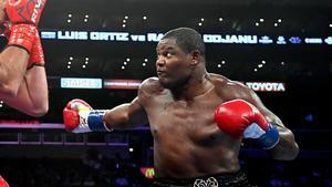 Cubano Luis Ortiz fulmina a Travis Kauffman y pide a Deontay Wilder