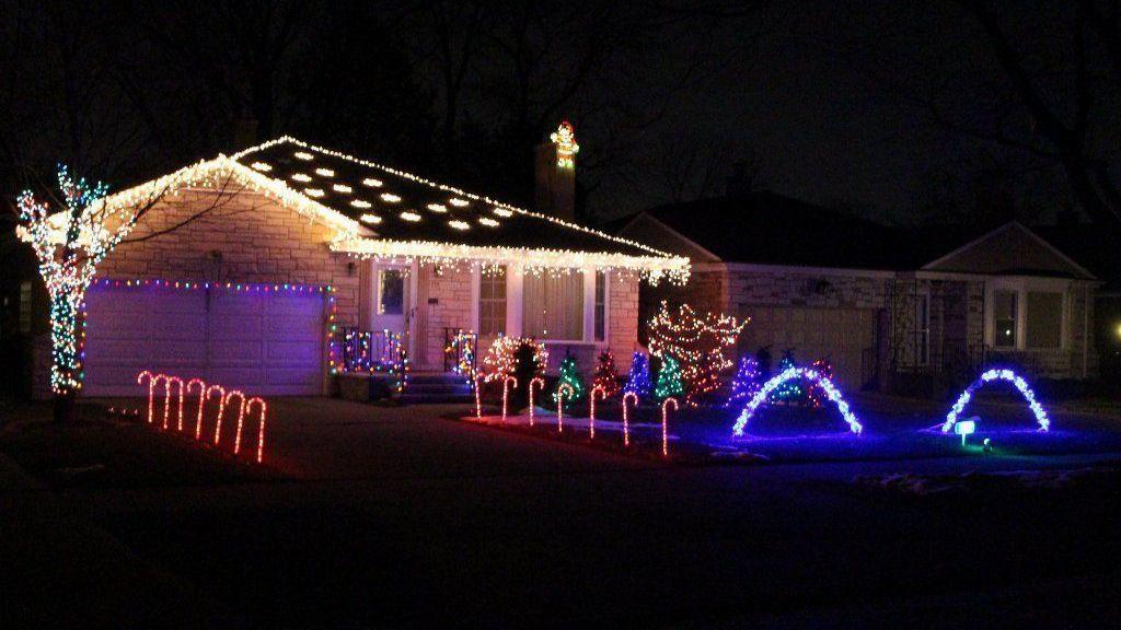 Petrak: La Grange physics teacher creates seven-song Christmas light display