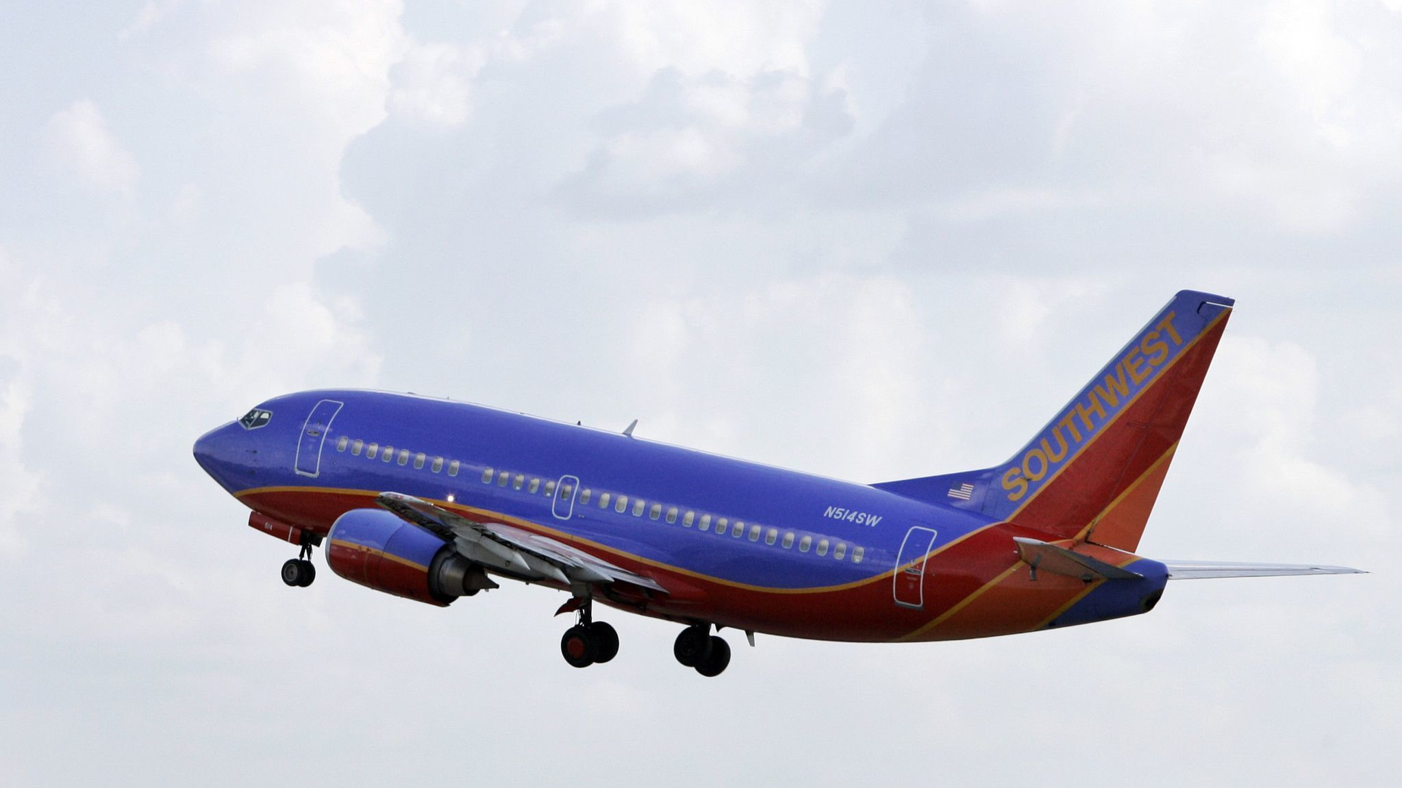 Human heart left on board prompts Southwest flight to return to Seattle