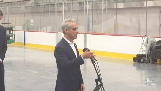 1973e11fdef Emergency goalie Eric Semborski reunited with Blackhawks ». Mayor Rahm  Emanuel on Blackhawks  new facility