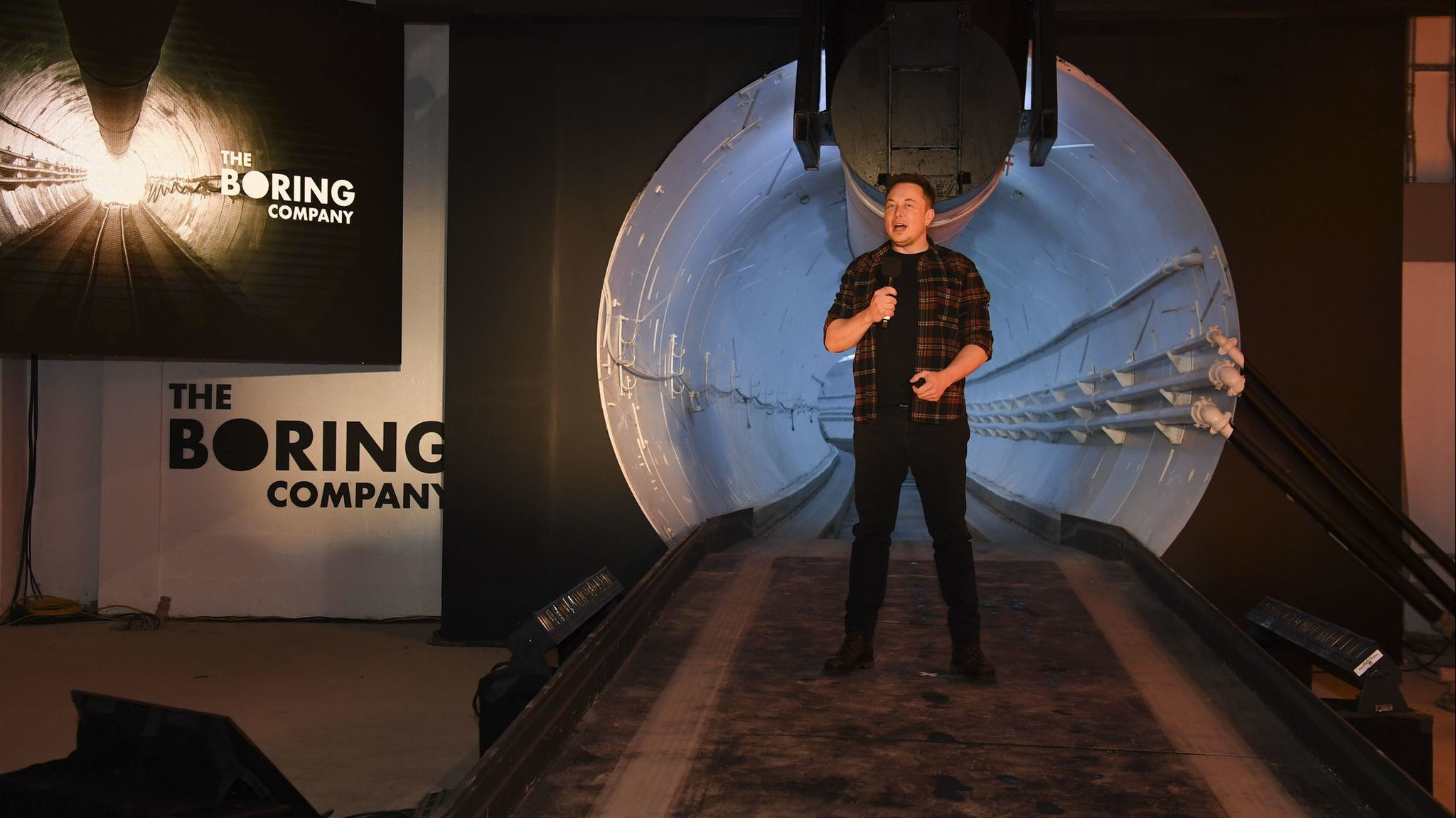 Elon Musk's Los Angeles tunnel was 'a little bumpy,' Chicago alderman says. Not yet smooth sailing for O'Hare one either.
