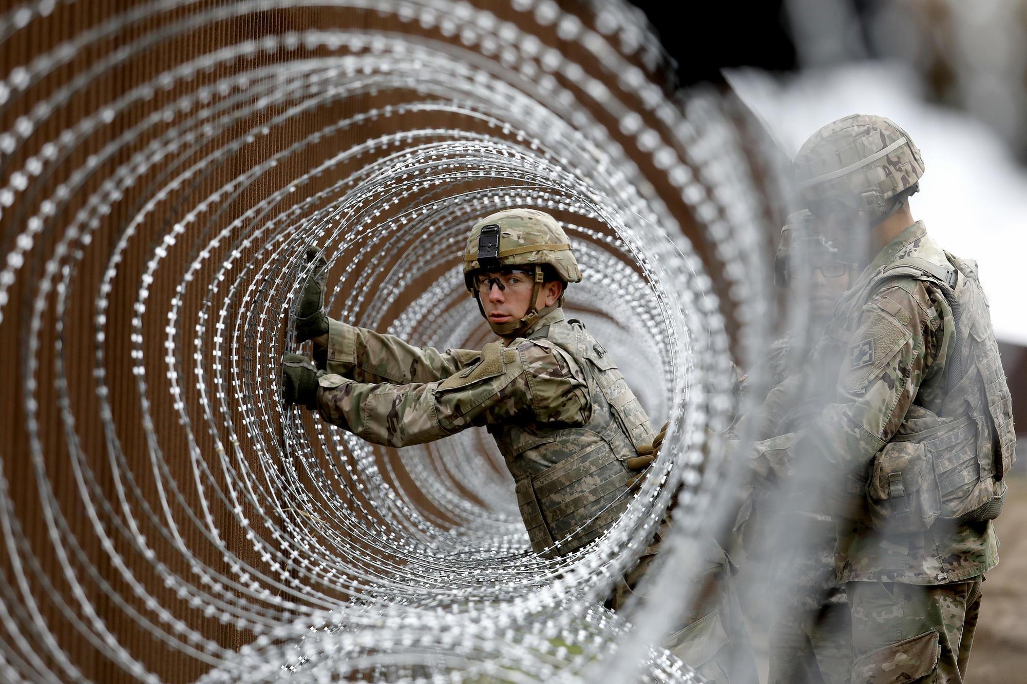 3064967_NA_border_military_GXC