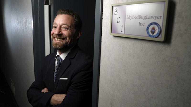 Este abogado encontró su negocio en el nicho de las chinches