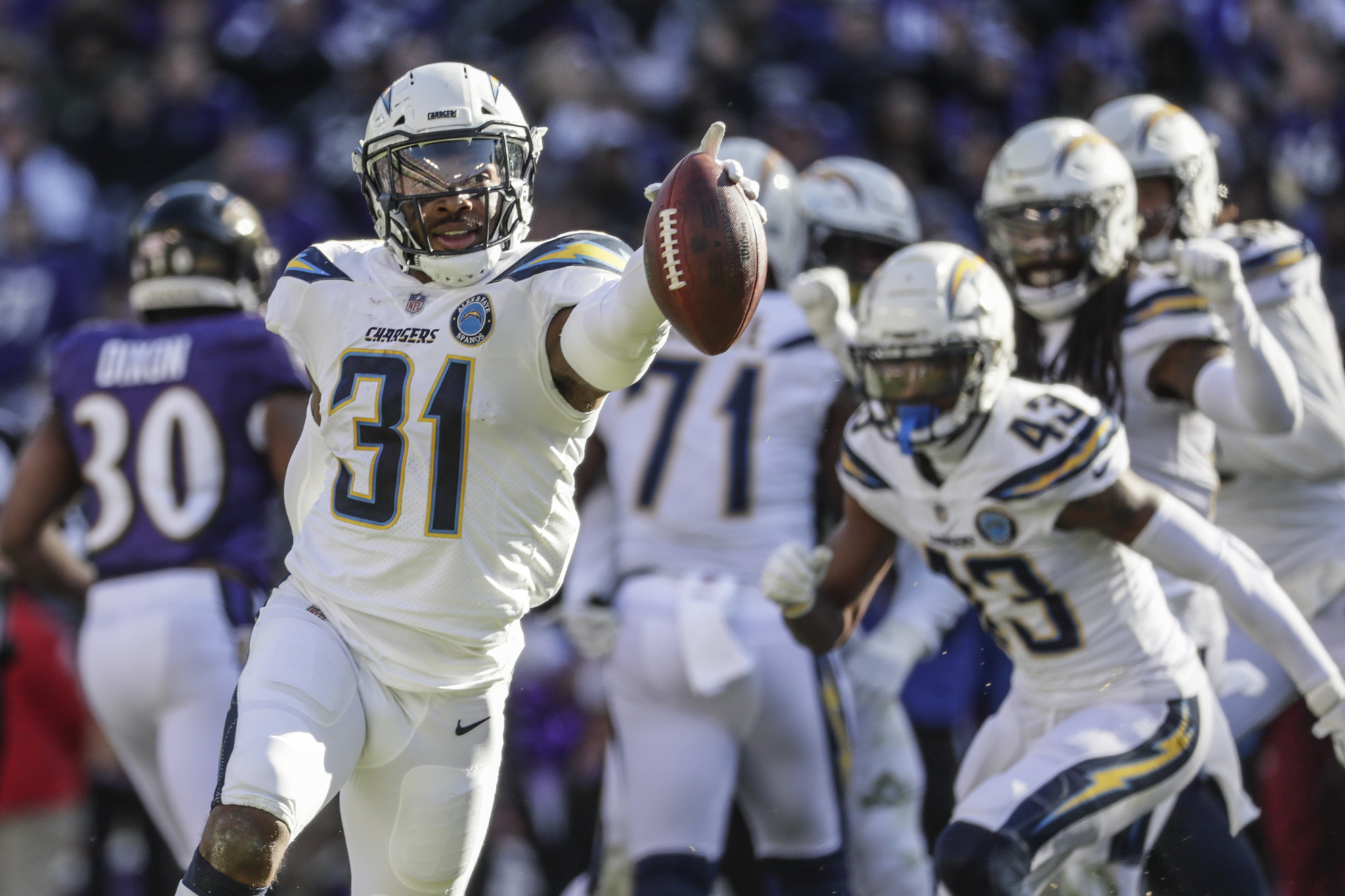 Adrian Phillips re-signs with Chargers, who introduce Tyrod Taylor and Thomas Davis