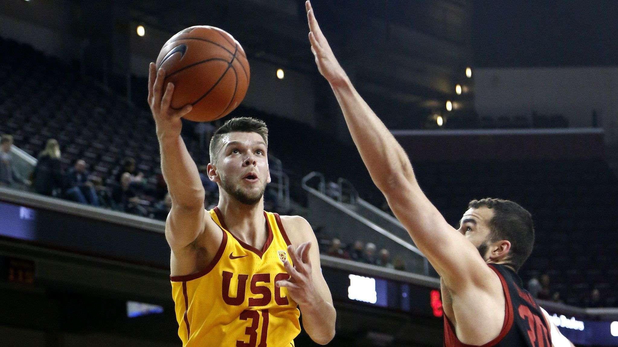 USC defeats Stanford to improve to 2-0 in Pac-12 play