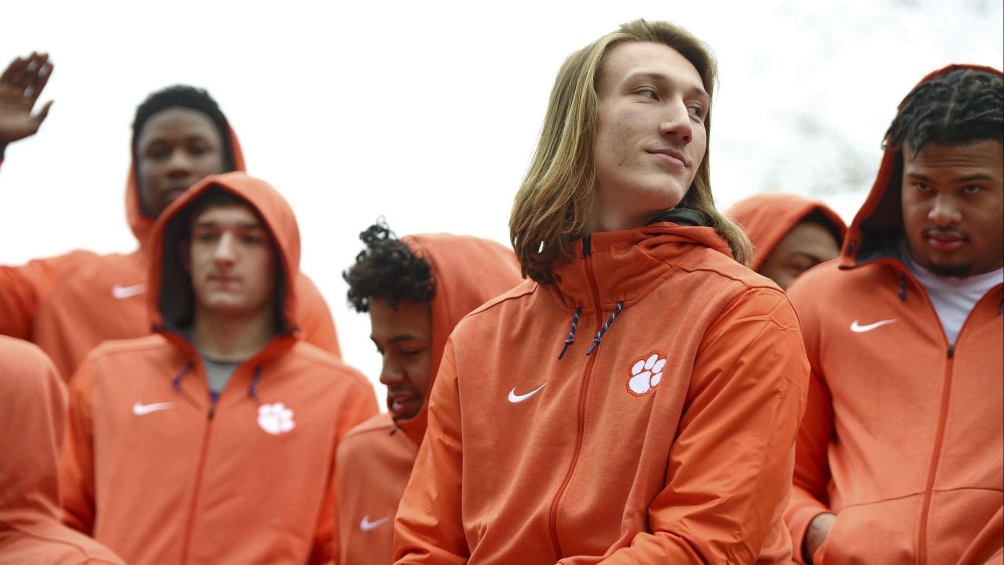Clemson quarterback trevor lawrence says white house fast food meme is fake food news chicago tribune