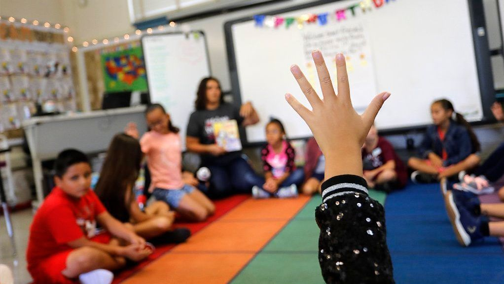See how San Diego schools stack up against Los Angeles in teacher salaries, class sizes   San Diego Union Tribune