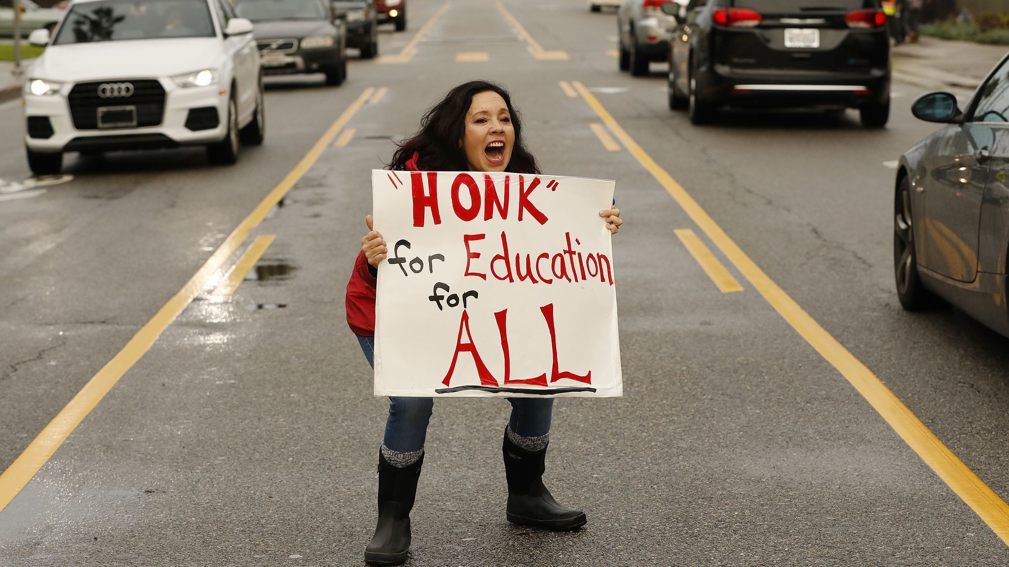 LAUSD teachers' strike, Day 5: The sun's out and hopes rise for a settlement | Los Angeles Times