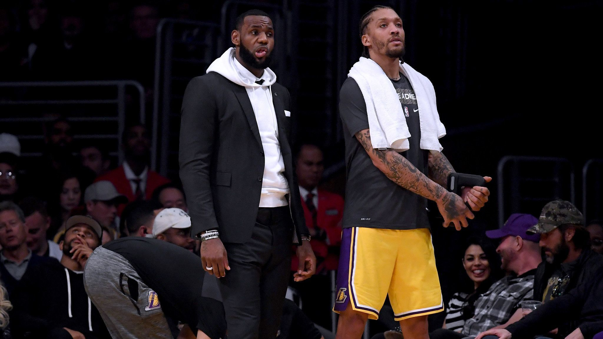 With LeBron James sidelined, Lakers need to upgrade now, before it's too late