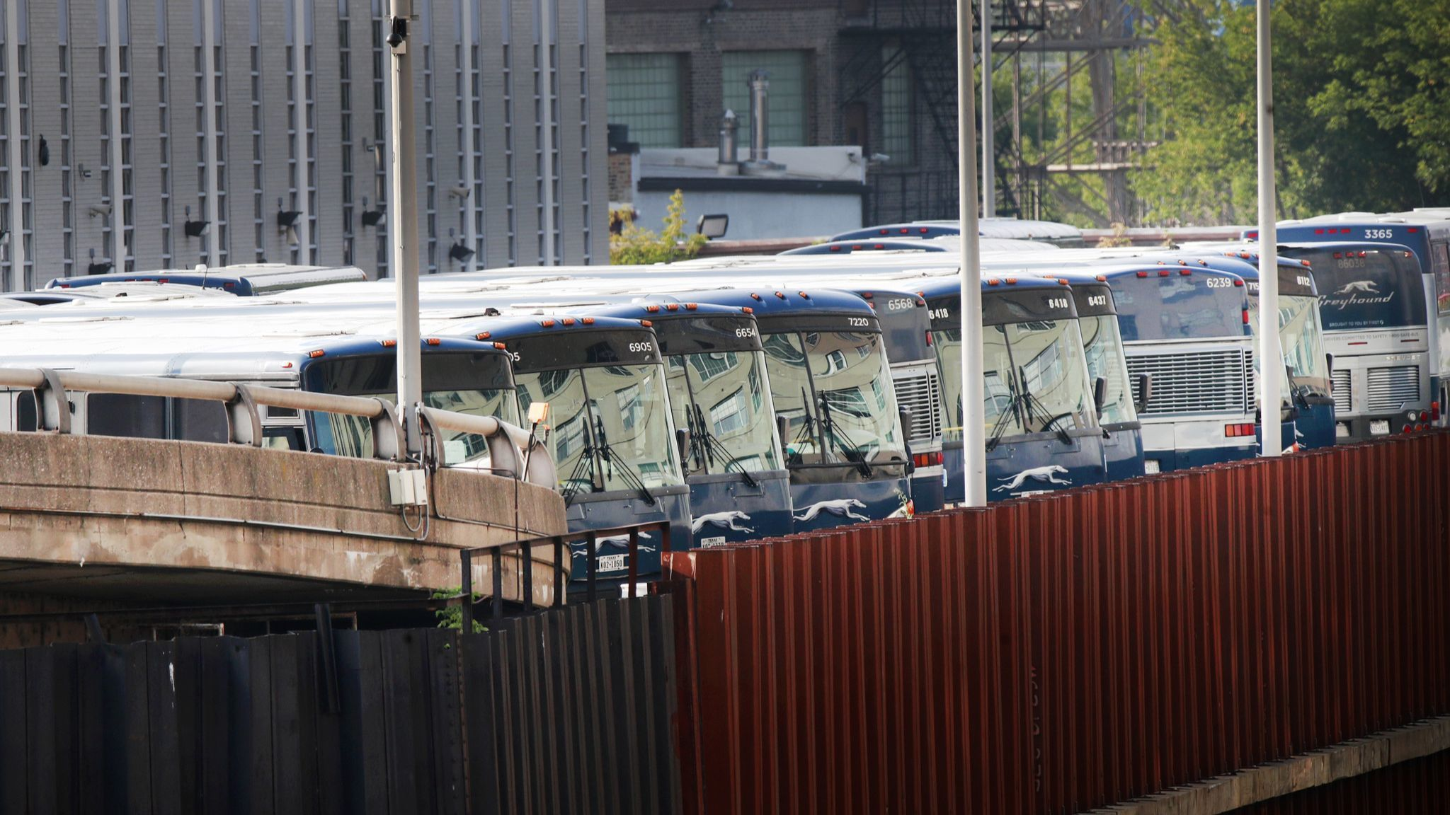 Canadian developer pays $38 million for Greyhound's Goose Island bus maintenence facility