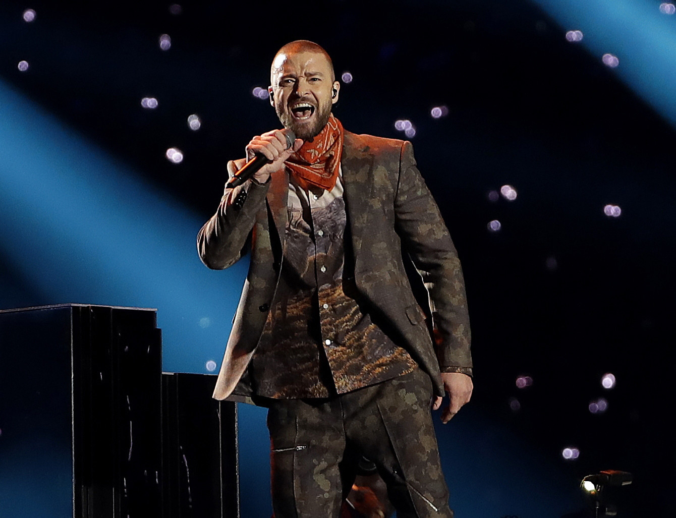 In San Diego, a confident Justin Timberlake shows he's still got the swagger