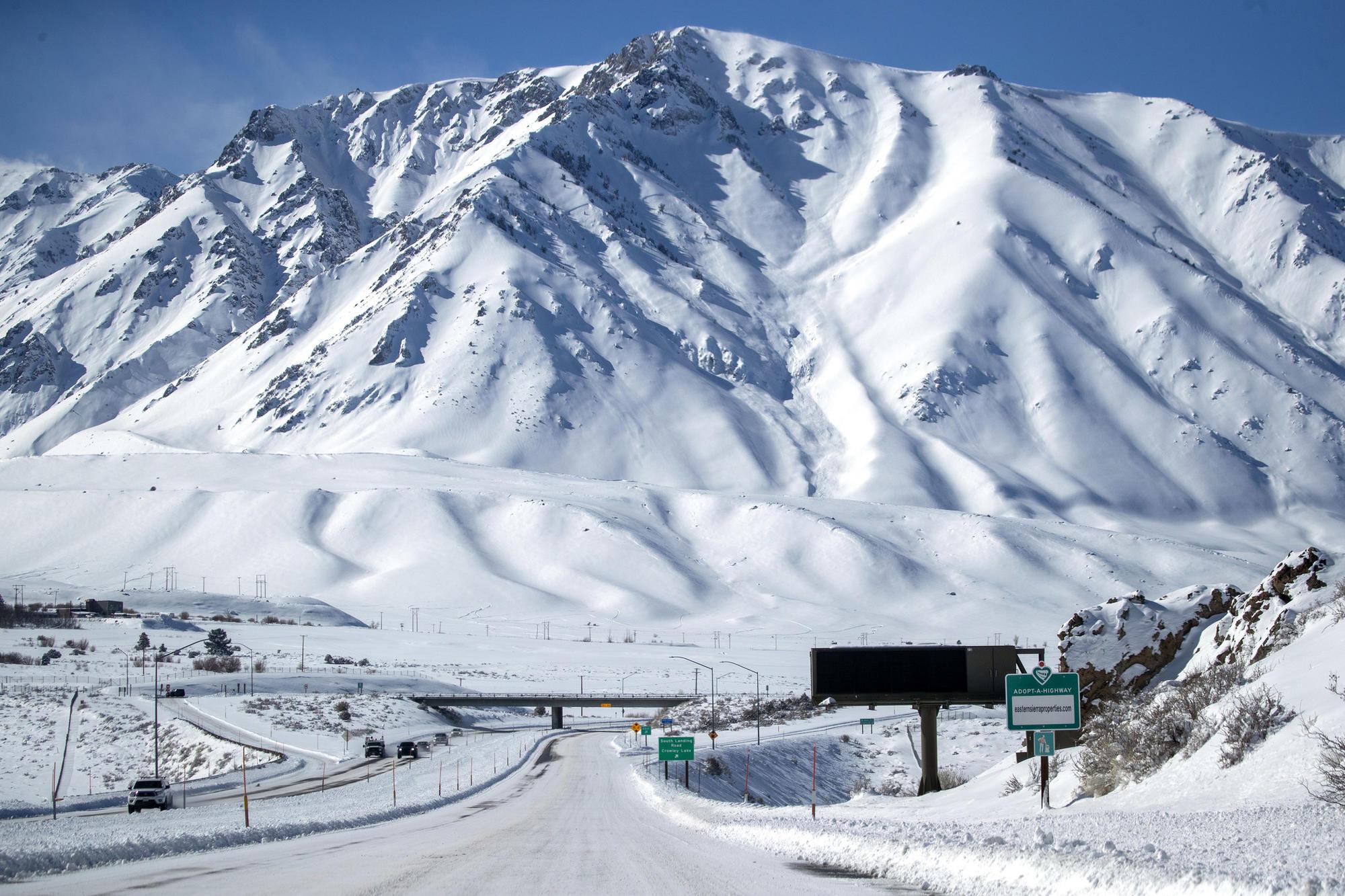 3071387_ME_sierra-snowfall_AJS
