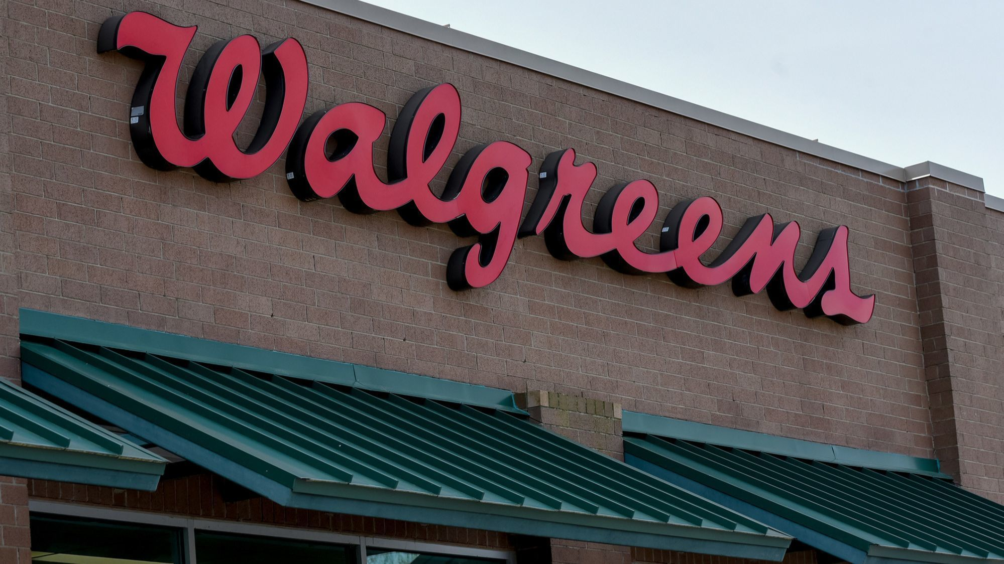 FDA says Walgreens has worst record of all pharmacies on selling tobacco to kids