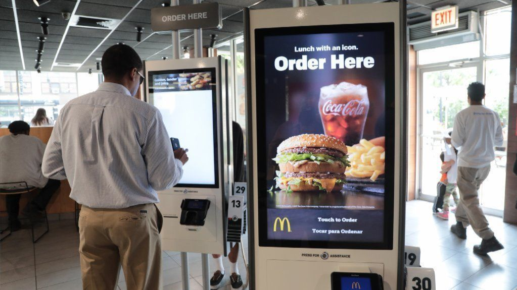 You already can grab lunch without talking to a cashier. Will a higher minimum wage in Illinois prompt more automation?