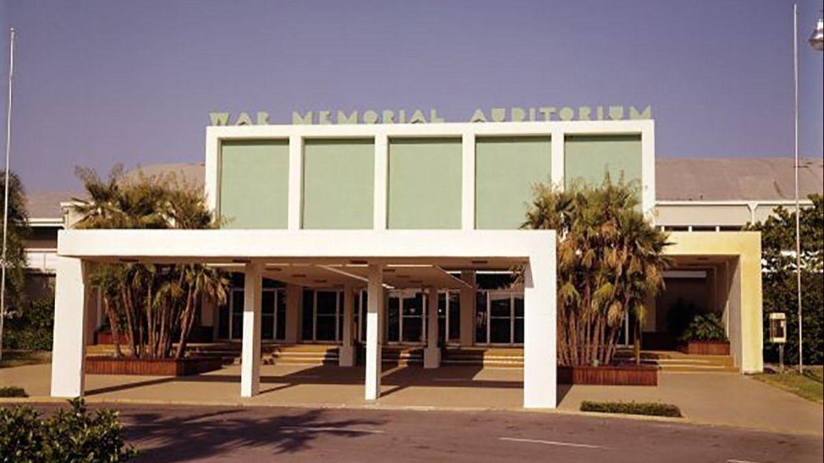 Florida Panthers near vote to replace gun show at War Memorial