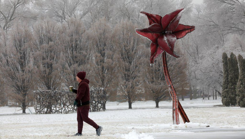 Lake-effect snow could produce slick road conditions in area, but holiday means fewer commuters; 10 inches of snow in Milwaukee suburb