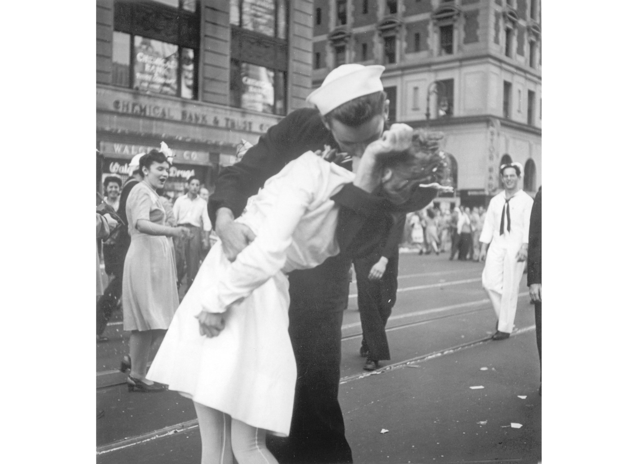 Sailor in iconic Times Square kiss photo dies at 95