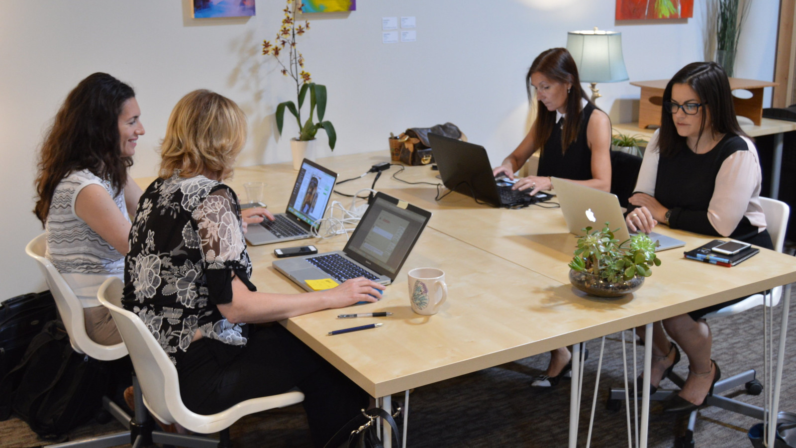 Temecula commuters: new coworking space hopes you'll skip the drive