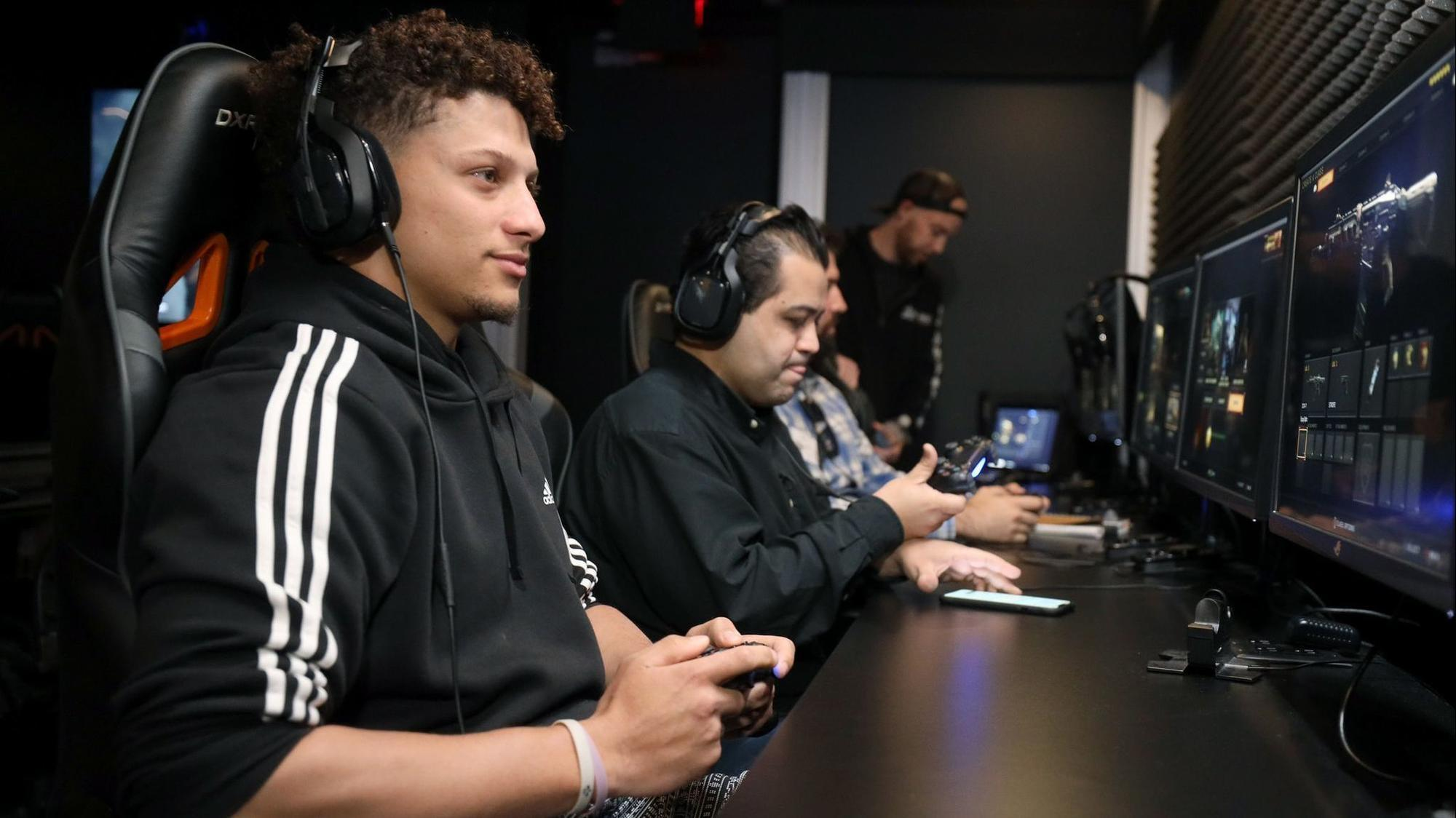 Chiefs star Patrick Mahomes' off-season mission includes playing 'Call of Duty'