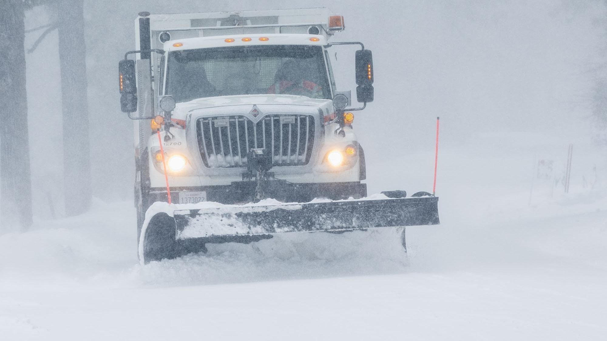 Five mountain school districts to close for second consecutive day Friday due to snow, icy roads