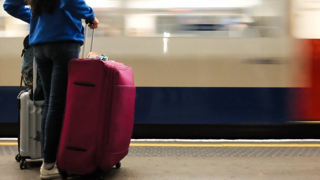 Lose the baggage: New luggage storage option headed to Chicago