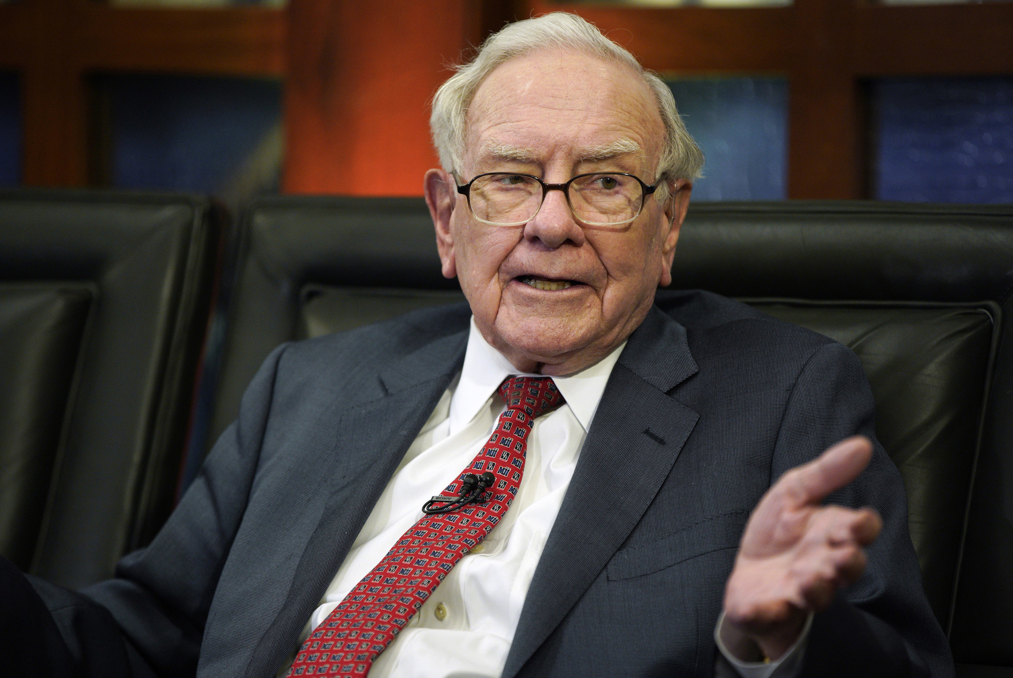 Warren Buffett encourages investors to bet on American economy in shareholder letter