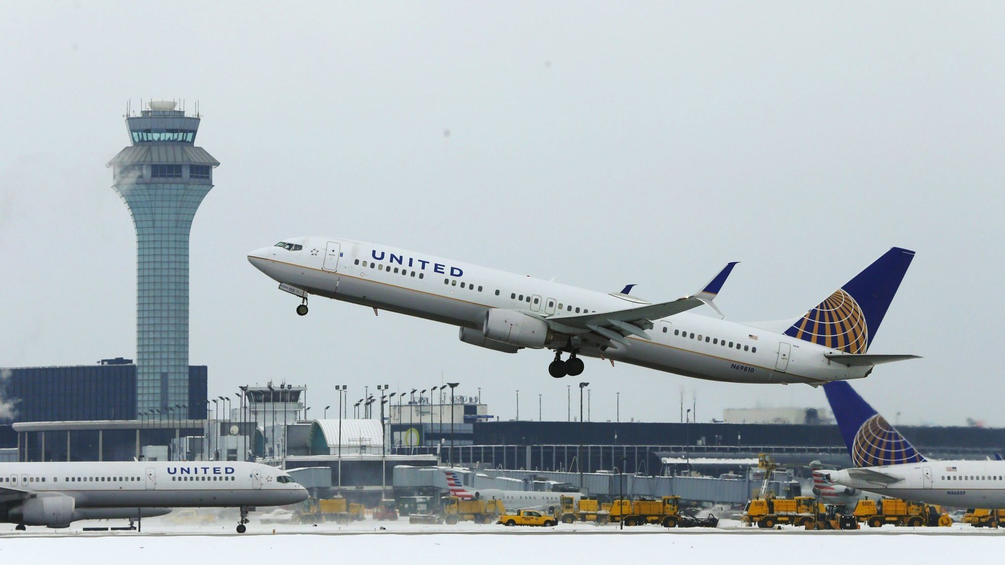 United fires 35 employees accused of abusing family travel perks