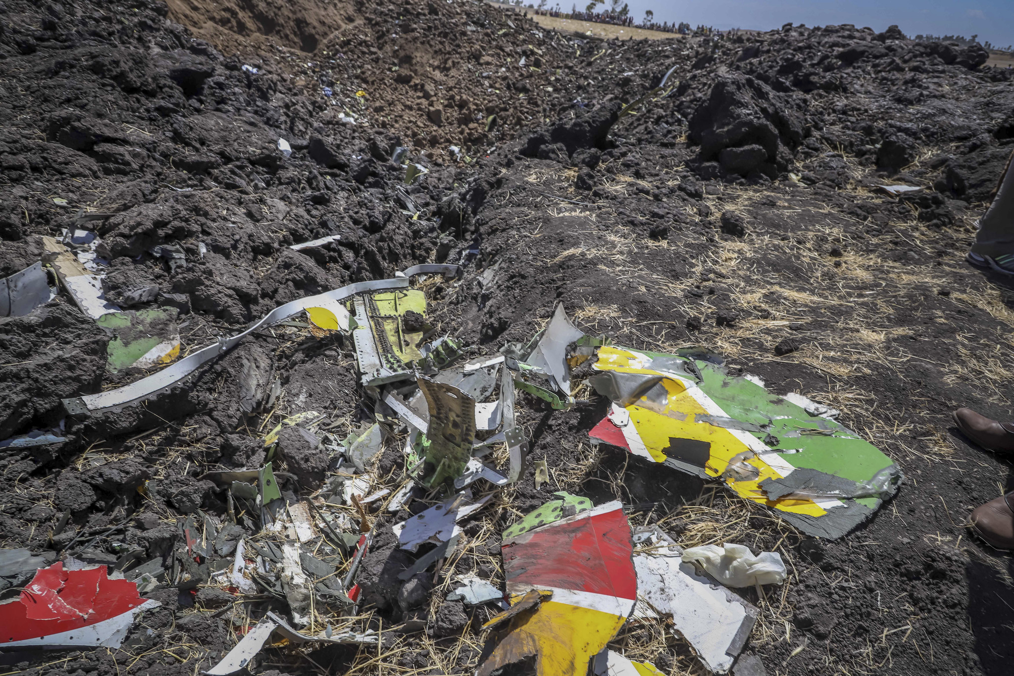 Plane crashes en route from Ethiopia to Kenya, killing all 157 people on board