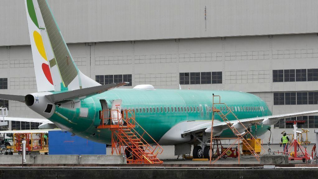 Despite reassurances, a second 737 crash stirs anxiety among flyers