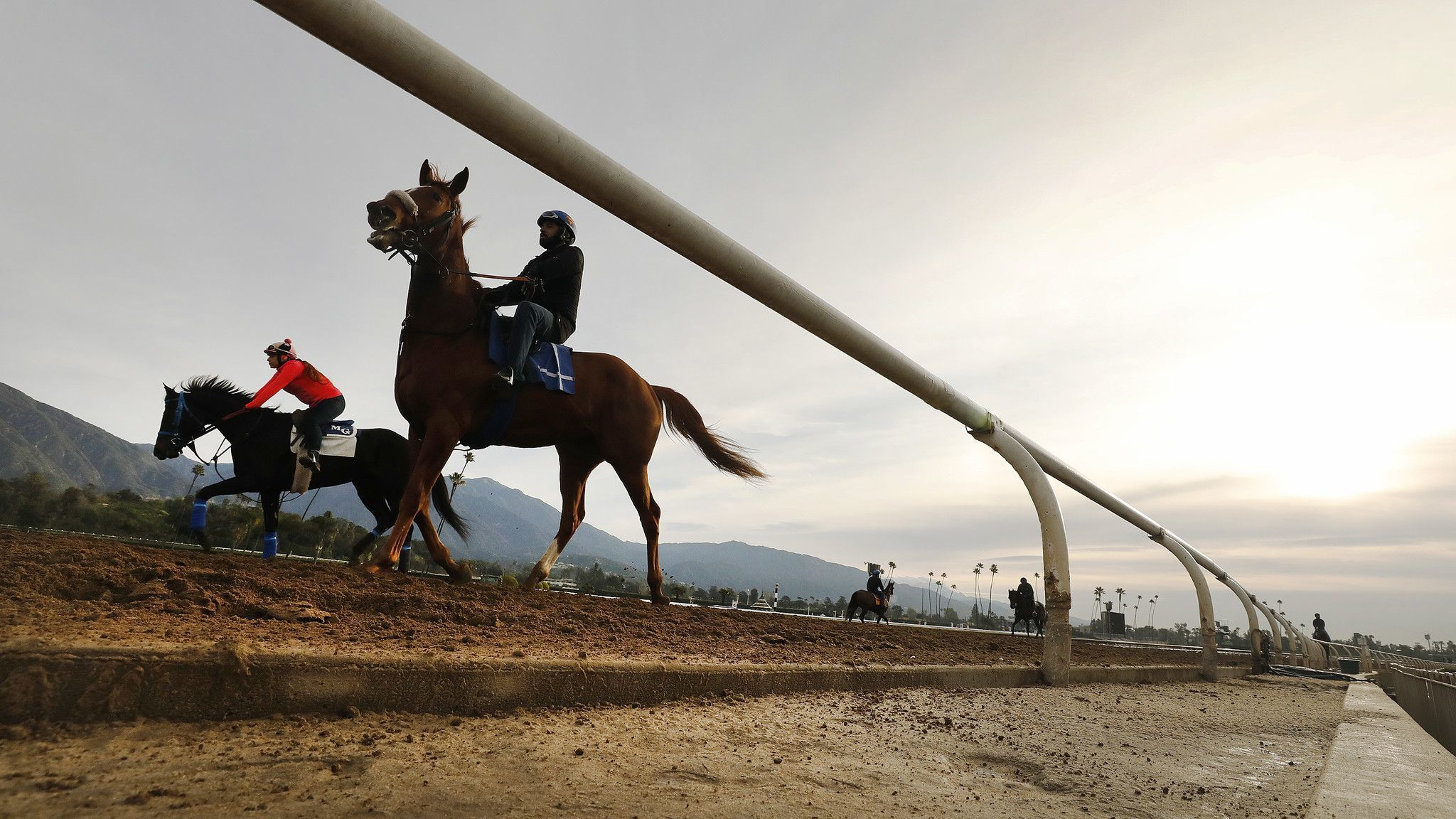 Santa Anita and thoroughbred owners make deal that could reopen track Friday