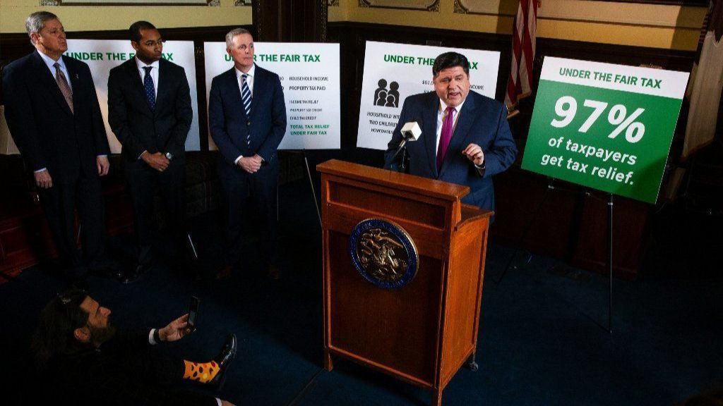 Fight over Illinois graduated-rate income tax plan moving to TV, social media