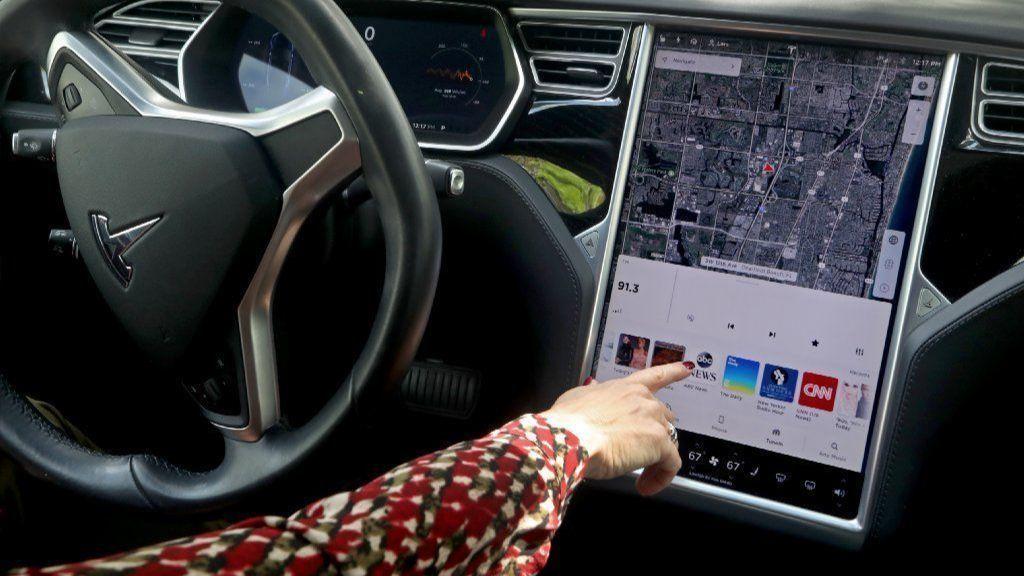 Amid three South Florida crashes, revolutionary Tesla remains a work in progress