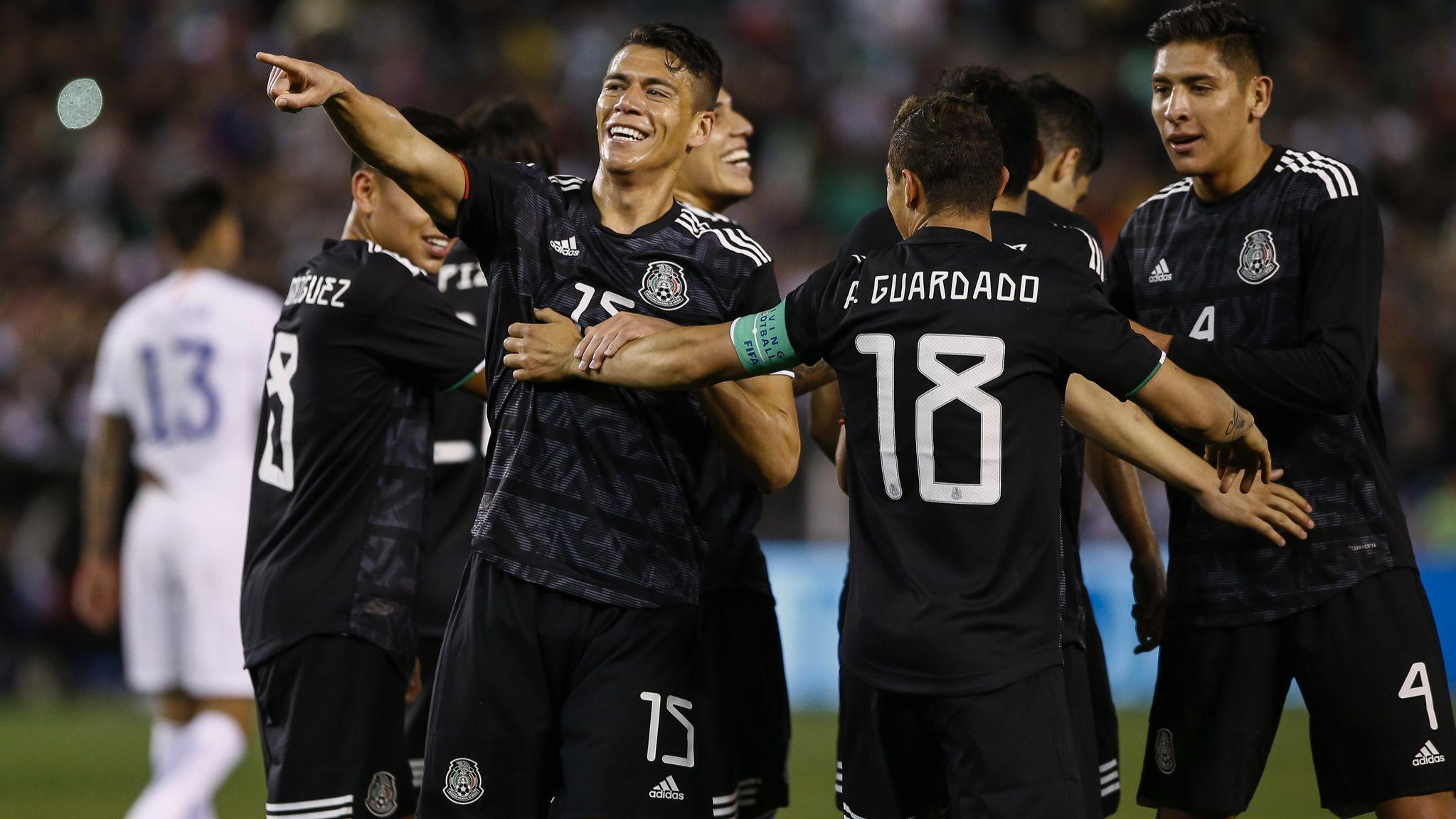 Mexico beats Chile in Tata Martino's debut