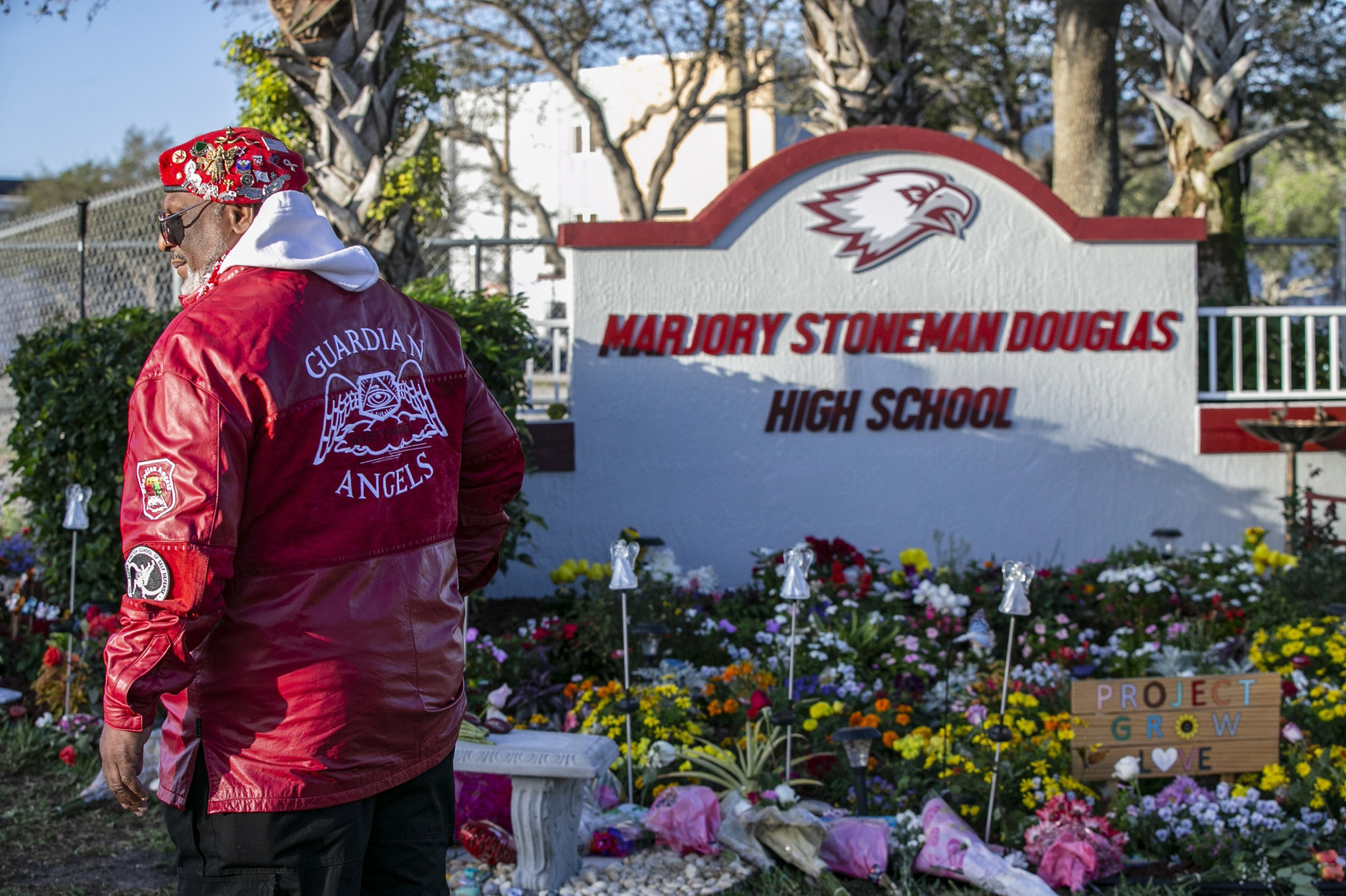 Parkland student dies in 'apparent suicide,' police say