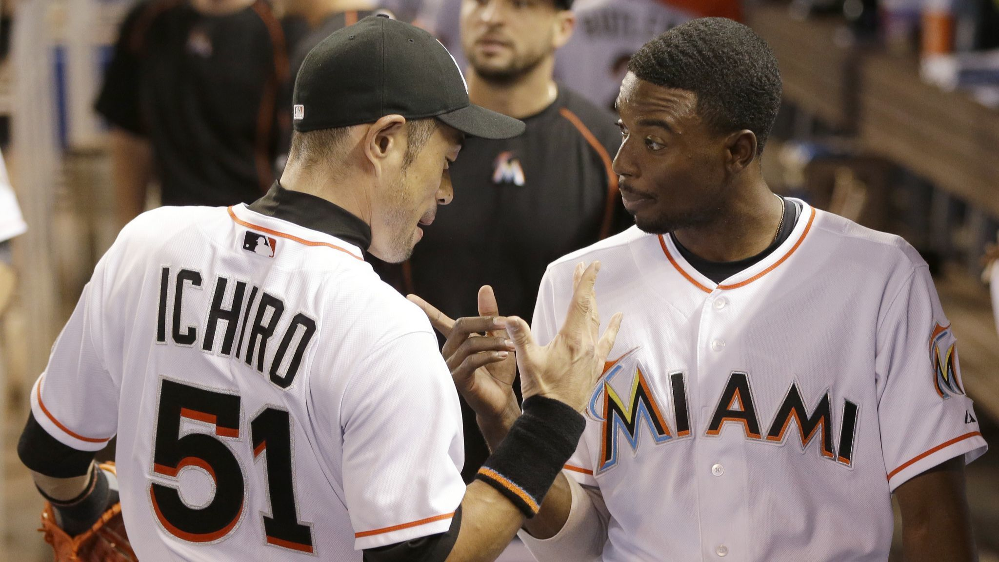 Dee Gordon honored former Marlins' teammate Ichiro with an amazing newspaper ad