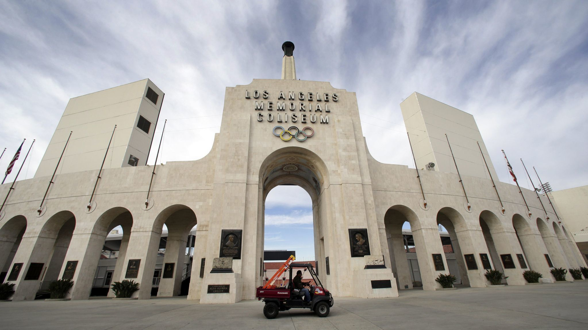 The $69-million Coliseum naming-rights deal between USC and United is in limbo